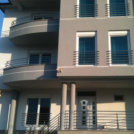 Balcony fence